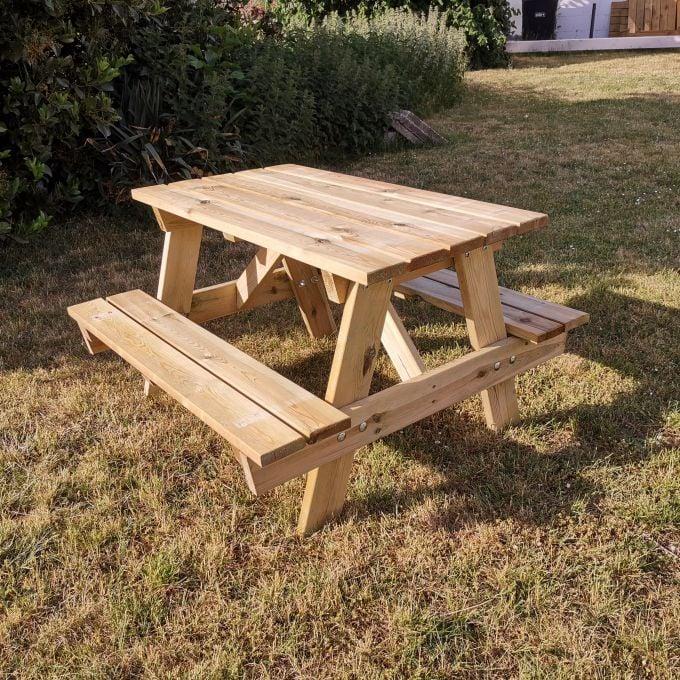 Kinder-Picknick-Tisch Lara, ca. 90 x 30/55 x 50/90 cm