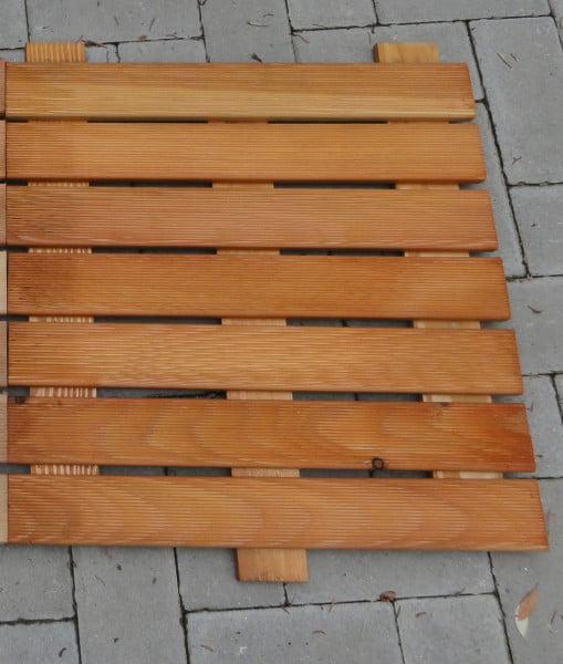 8 x Douglasien -Holzfliesen, braun, fein geriffelt 50 x 50 cm