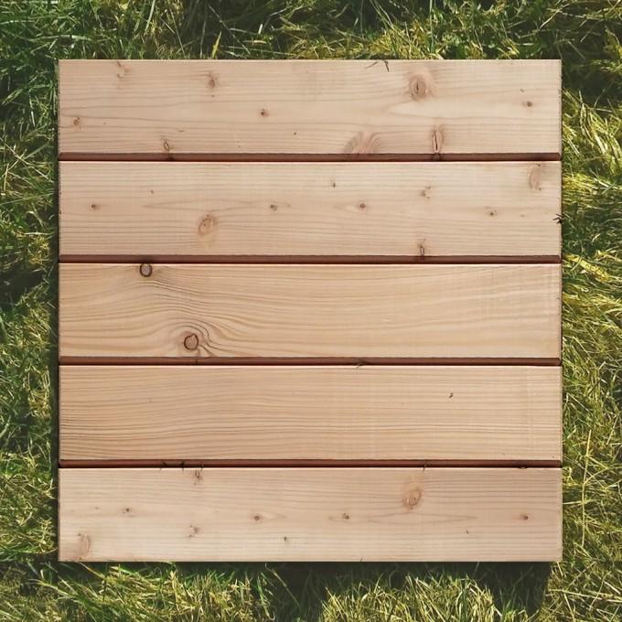 Lärchenholz Fliese 52 x 52 cm