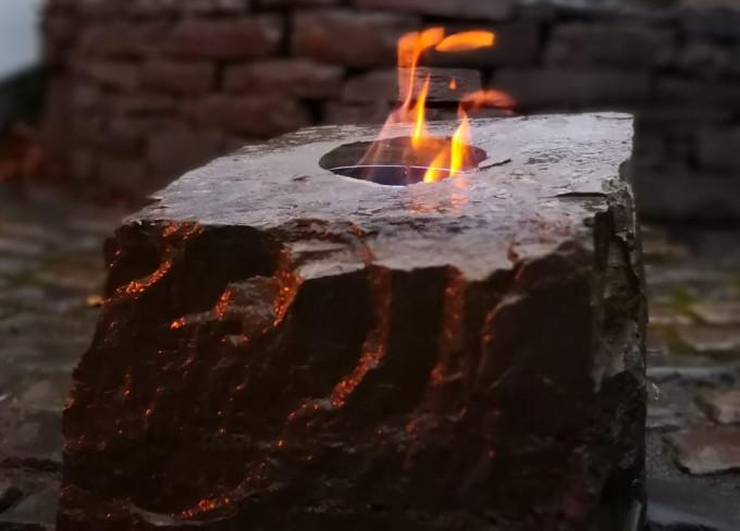 Brennender Stein - UNIKAT